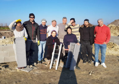Das Perndorfer-Team mit den zukünftigen Hausbesitzern
