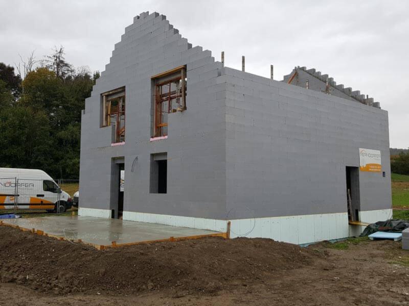 Niedrigenergiehaus - Rohbau mit Thermowerk-Schalungssystem